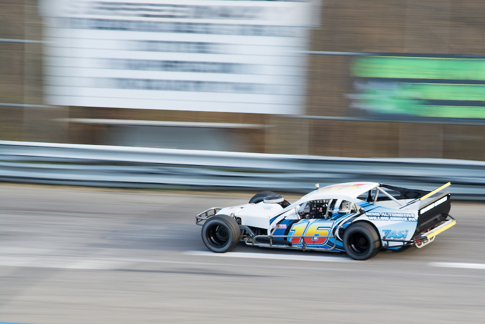 Wall Stadium Speedway<br /> Sportsman racing<br /> #16, Driven by Ricky Collins<br /> 20150425182641-0500