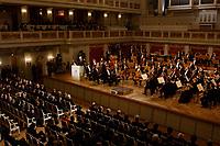 09 FEB 2003, BERLIN/GERMANY:<br /> Johannes Rau, Bundespraesident, haelt eine Rede, waehrend der Eroeffnung der Deutsch-Russischen Kulturbegegnungen durch ein Konzert der Petersburger Philarmoniker, Konzerthaus am Gendarmenmarkt<br /> IMAGE: 20030209-01-026<br /> KEYWORDS: Bundespräsident,