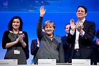 16 OCT 2010, POTSDAM/GERMANY:<br /> Dorothee Baer, JU Stellv. Bundesvorsitzende, Angela Merkel, CDU, Bundeskanzlerin, Philipp Missfelder, MdB, CDU, Bundesvorsitzender Junge Union, (v.L.n.R.), nach der Rede von Merkel, Deutschlandtag der Jungen Union, Metropolis Halle, Filmpark Babelsberg<br /> IMAGE: 20101016-01-082<br /> KEYWORDS: Parteitag, party congress, Bundesparteitag, Philipp Mißfelder, Applaus, klatschen, applaudieren, Dorthee Bär
