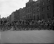 04/08/1952<br /> 08/04/1952<br /> 04 August 1952<br /> <br /> Cycle Race from Dublin to Galway starting off at Wood Quay