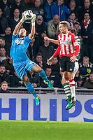 EINDHOVEN - PSV - Sparta Rotterdam , Voetbal , Eredivisie , Seizoen 2016/2017 , Philips Stadion , 22-10-2016 , Sparta keeper Roy Kortsmit (l) red voor PSV speler Luuk de Jong (r)