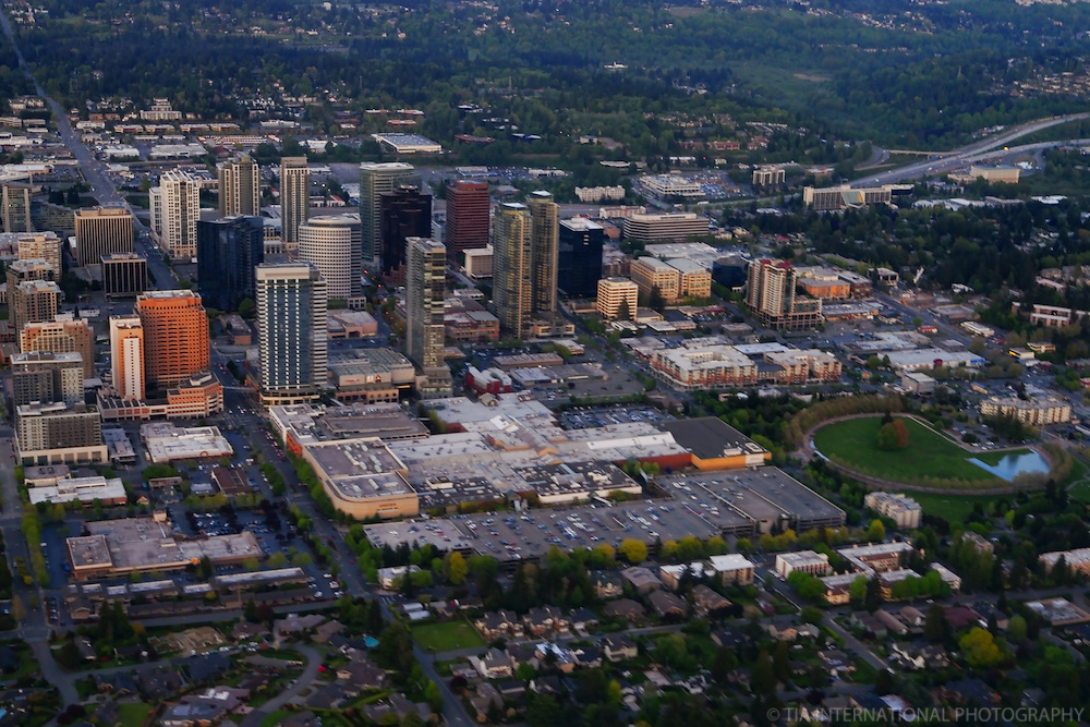 Bellevue featuring Belle Square & Downtown Park