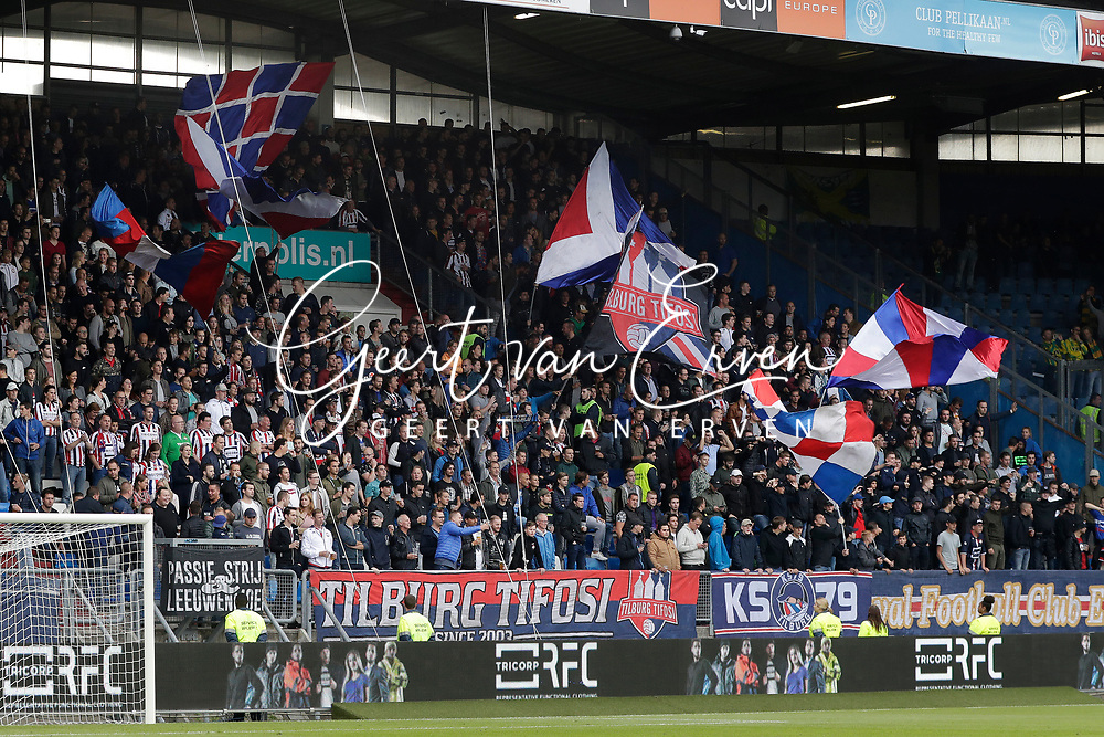 Supporters of Willem II with flags