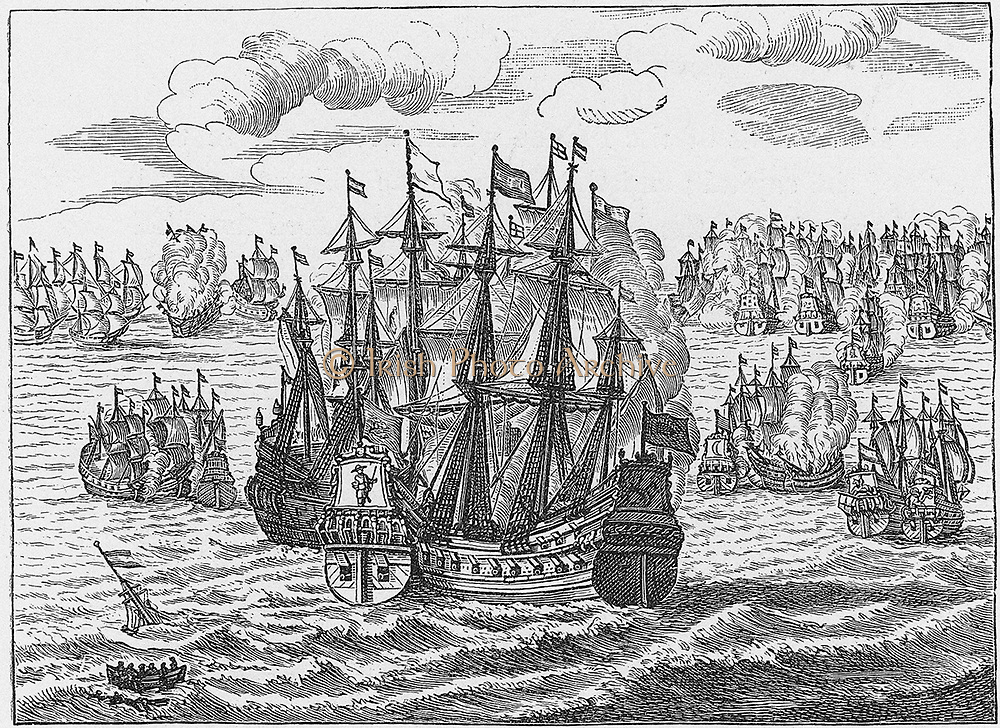 Second Anglo-Dutch War 1665-1667.  English fleet under Monck and the Dutch under Ruyter in the English Channel, 1666.  After engraving published Amsterdam, 1666.