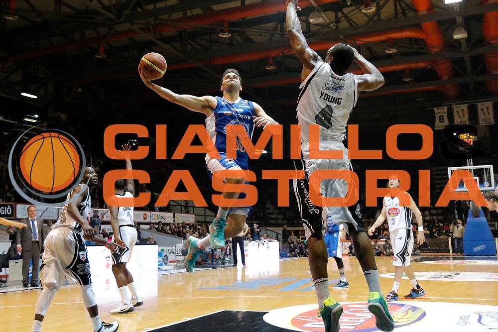 DESCRIZIONE : Caserta Lega A 2014-15 Pasta Reggia Caserta Acqua Vitasnella Cantu<br /> GIOCATORE : Stefano Gentile<br /> CATEGORIA : tiro<br /> SQUADRA : Acqua Vitasnella Cantu<br /> EVENTO : Campionato Lega A 2014-2015<br /> GARA : Pasta Reggia Caserta Acqua Vitasnella Cantu<br /> DATA : 22/11/2014<br /> SPORT : Pallacanestro <br /> AUTORE : Agenzia Ciamillo-Castoria/A. De Lise<br /> Galleria : Lega Basket A 2014-2015 <br /> Fotonotizia : Caserta Lega A 2014-15 Pasta Reggia Caserta Acqua Vitasnella Cantu