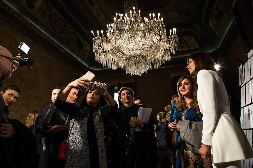 A la fin du defilee de Jenny pendant la semaine de la mode femme de Milan