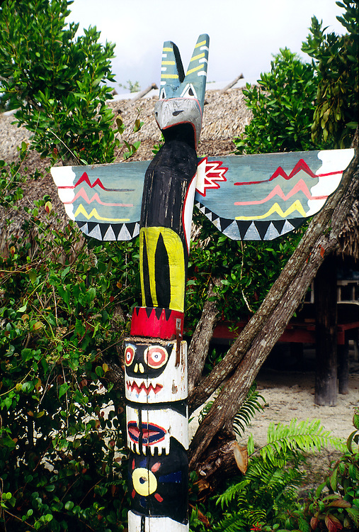 Totem pole. Miccosukee native American Indian Village reservation on the Tamiami Trail, Dade County, Florida Everglades, USA