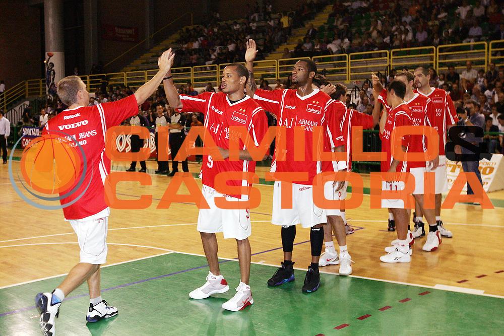 DESCRIZIONE : Casale Monferrato Lega A 2009-10 Basket Amichevole Fastweb Casale Monferrato Armani Jeans Milano<br /> GIOCATORE : Team Armani Jeans Milano<br /> SQUADRA : Armani Jeans Milano<br /> EVENTO : Campionato Lega A 2009-2010 <br /> GARA : Fastweb Casale Monferrato Armani Jeans Milano<br /> DATA : 12/09/2009<br /> CATEGORIA : Ritratto<br /> SPORT : Pallacanestro <br /> AUTORE : Agenzia Ciamillo-Castoria/G.Cottini
