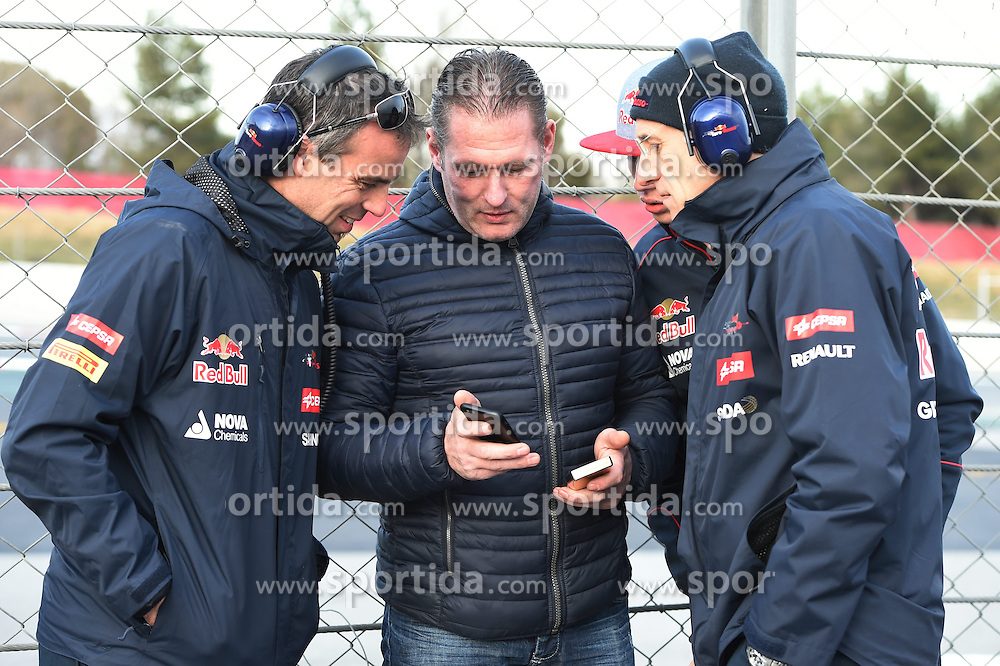 28.02.2015, Circuit de Catalunya, Barcelona, ESP, FIA, Formel 1, Testfahrten, Barcelona, Tag 3, im Bild Max Verstappen (NDL) Scuderia Toro Rosso with father Jos Verstappen (NDL) and Franz Tost (AUT) Scuderia Toro Rosso Team Principal // during the Formula One Testdrives, day three at the Circuit de Catalunya in Barcelona, Spain on 2015/02/28. EXPA Pictures &copy; 2015, PhotoCredit: EXPA/ Sutton Images/ Mark Images<br /> <br /> *****ATTENTION - for AUT, SLO, CRO, SRB, BIH, MAZ only*****