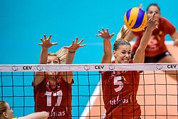 24-08-2017 NED: World Qualifications Belgium - Slovenia, Rotterdam<br /> Ilka van de Vyver #17 of Belgium, Laura Heyrman #5 of Belgium<br /> Photo by Ronald Hoogendoorn / Sportida