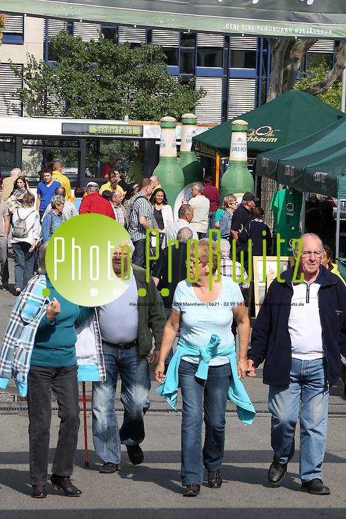 Mannheim. 01.09.12  Neckarstadt Wohlgelegen. Eichbaum Brauerei. Brauereifest. Eichbaumfest auf dem Brauereigel&auml;nde. <br /> <br /> Bild: Markus Pro&szlig;witz 01SEP12 / masterpress /