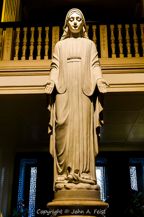 This is a life sized statue of Mary in the entrance hallway of the Loyola House of Retreats.  She looks so serene, peaceful and welcoming.