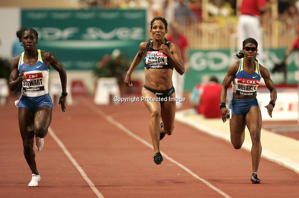 Kerron Stewart (jm) - Christine Arron (fra) - Angela Williams (usa) - 100m 100 m - Meeting de Herculis Monaco - 29.07.2008 - Athle Athletisme - Femme Femmes Feminin Feminine - largeur action
