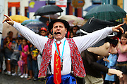 Mariana_MG, 08 de Marco de 2011...CARNAVAL 2011 - BLOCONECO DO CATIN ..Alberto Nardi criador do bloconeco do catin,grupo de marionetes de mariana.Esse ano o bloco trouxe o boneco do ex presidente Lula que se apresentou jogando capoeira...FOTO: MARCUS DESIMONI / NITRO.