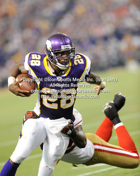 Minnesota Vikings running back Adrian Peterson #28 in action during the Vikings 27-24 victory over the San Francisco 49ers at the Metrodome in Minneapolis, MN on September 27, 2009.