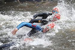 16.07.2011, Hamburg, GER, Dextro Energy Triathlon ITU World Championship Series, Elite men, im Bild die Schwimmer in der Binnenalster .EXPA Pictures © 2011, PhotoCredit: EXPA/ nph/  Witke       ****** out of GER / CRO  / BEL ******
