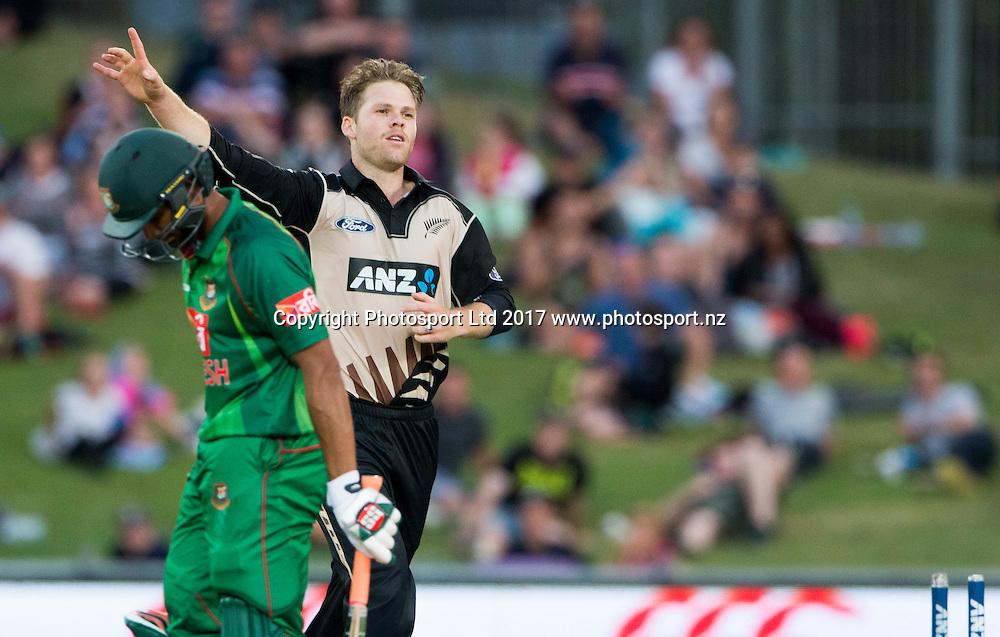 New Zealand's Lockie Ferguson celebrates taking the wicket of Bangladesh's Mahmudulla.  New Zealand Blackcaps v Bangladesh, International Cricket, 1st T20, McLean Park, Napier, New Zealand. Tuesday, 03 January, 2017. Copyright photo: John Cowpland / www.photosport.nz