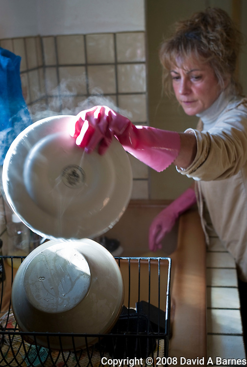 Washing dishes, France