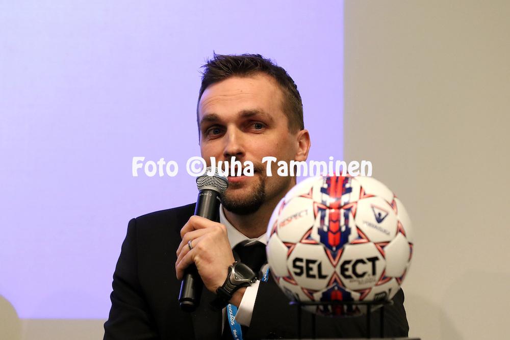 1.4.2015, Helsinki. <br /> Veikkausliigan 2015 Media-avaus.<br /> Valmentaja Jani Honkavaara - HIFK