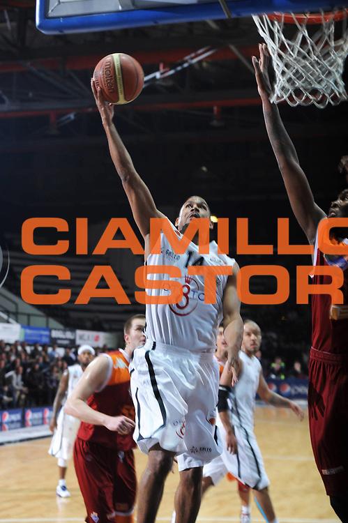 DESCRIZIONE : Caserta Lega A 2011-12 Otto Caserta Acea Virtus Roma<br /> GIOCATORE : Charlie Bell<br /> CATEGORIA : sottomano<br /> SQUADRA : Otto Caserta<br /> EVENTO : Campionato Lega A 2011-2012<br /> GARA :Otto Caserta Acea Virtus Roma<br /> DATA : 25/03/2012<br /> SPORT : Pallacanestro<br /> AUTORE : Agenzia Ciamillo-Castoria/GiulioCiamillo<br /> Galleria : Lega Basket A 2011-2012<br /> Fotonotizia : Caserta Lega A 2011-12 Otto Caserta Acea Virtus Roma<br /> Predefinita :