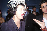 Isabella Blow. Zac Posen Spring/ Summer collection launch party. The Blue Bar, Berkeley Hotel. London. 7 March 2004. Dafydd Jones,  ONE TIME USE ONLY - DO NOT ARCHIVE  © Copyright Photograph by Dafydd Jones 66 Stockwell Park Rd. London SW9 0DA Tel 020 7733 0108 www.dafjones.com