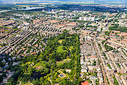 Nederland, Provincie, Amsterdam, 14-06-2012; Amsterdam Oud-Zuid en Oud-West, Vondelpark met Overtoom (re), .The Vondelpark (park) in the southern residential district of Amsterdam.  luchtfoto (toeslag), aerial photo (additional fee required).foto/photo Siebe Swart