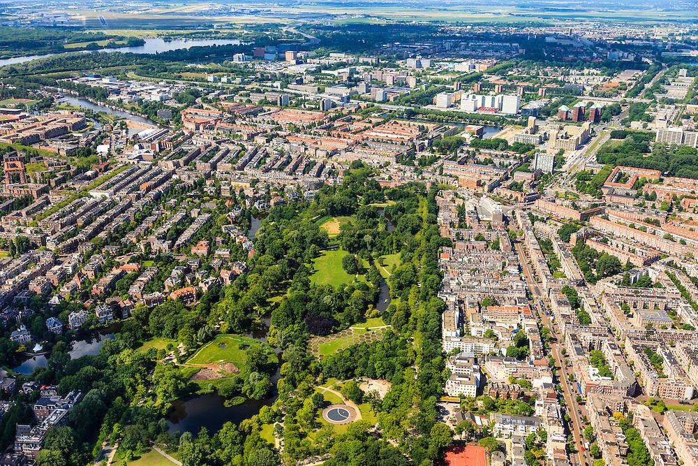 Nederland, Provincie, Amsterdam, 14-06-2012; Amsterdam Oud-Zuid en Oud-West, Vondelpark met Overtoom (re), .The Vondelpark (park) in the southern residential district of Amsterdam.  luchtfoto (toeslag), aerial photo (additional fee required).foto/photo Siebe Swart