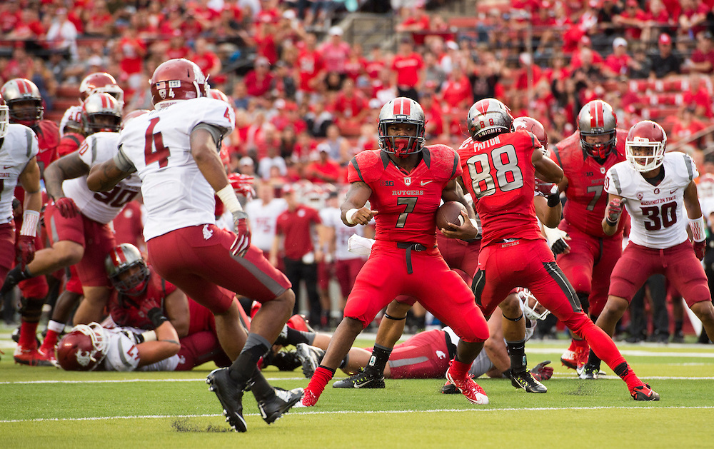 The Rutgers Scarlet Knights football team takes on Washington State at High Point Solutions Stadium on Saturday afternoon September 12, 2015.<br /> Ben Solomon/Rutgers Athletics