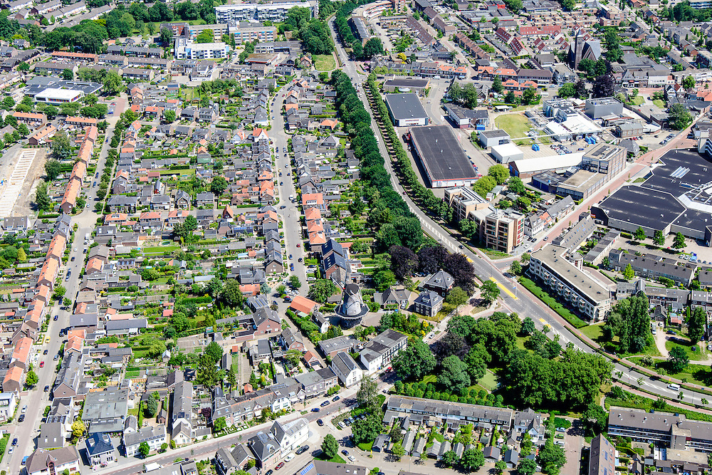 Nederland, Utrecht, Veenendaal, 09-06-2016; centrum van Veenendaal, met onder andere winkelcentrum De Scheepjeshof  en De Nieuwe Molen. <br /> City centre Veenendaal.<br /> The beginning of traffic jam at junction Hoevelaken.<br /> aerial photo (additional fee required);<br /> copyright foto/photo Siebe Swart