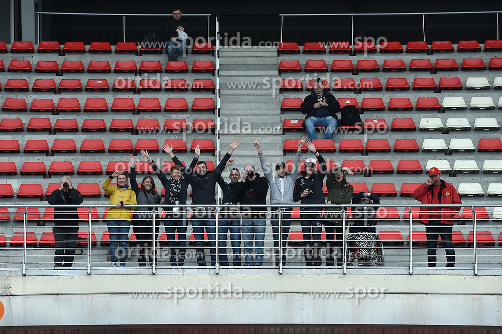 27.02.2015, Circuit de Catalunya, Barcelona, ESP, FIA, Formel 1, Testfahrten, Barcelona, Tag 2, im Bild Fans // during the Formula One Testdrives, day two at the Circuit de Catalunya in Barcelona, Spain on 2015/02/27. EXPA Pictures &copy; 2015, PhotoCredit: EXPA/ Sutton Images/ Mark Images<br /> <br /> *****ATTENTION - for AUT, SLO, CRO, SRB, BIH, MAZ only*****