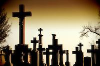 Lisa Johnston | lisa@aeternus.com | Tiwtter: @aeternusphoto Cavlary Cemetery.
