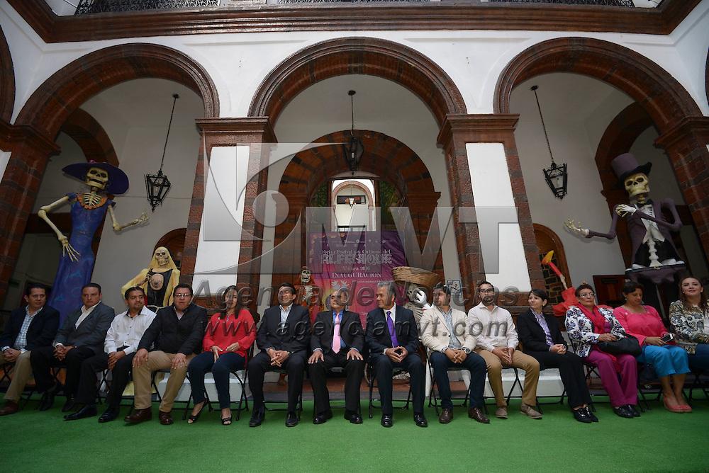 Toluca, México (Octubre 15, 2016).- Fernando Zamora Morales, presidente municipal de Toluca inauguro las actividades de la Feria y Festival Cultural del Alfeñique en la capital mexiquense.  Agencia MVT / Crisanta Espinosa.