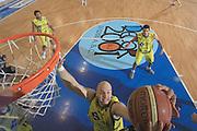 DESCRIZIONE : Porto San Giorgio Lega A 2009-10 Basket Sigma Coatings Montegranaro Carife Ferrara<br /> GIOCATORE : Greg Brunner <br /> SQUADRA : Sigma Coatings Montegranaro <br /> EVENTO : Campionato Lega A 2009-2010 <br /> GARA : Sigma Coatings Montegranaro Carife Ferrara<br /> DATA : 03/01/2010<br /> CATEGORIA : rimbalzo stoppata special<br /> SPORT : Pallacanestro <br /> AUTORE : Agenzia Ciamillo-Castoria/C.De Massis<br /> Galleria : Lega Basket A 2009-2010 <br /> Fotonotizia : Porto San Giorgio Lega A 2009-10 Basket Sigma Coatings Montegranaro Carife Ferrara<br /> Predefinita :