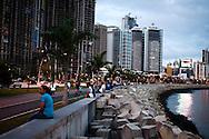 Cinta costera, Ciudad de Panamá al atardecer..02 de Enero del 2011 (© Aaron Sosa / Istmophoto)