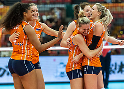 15-10-2018 JPN: World Championship Volleyball Women day 16, Nagoya<br /> Netherlands - USA 3-2 / (L-R) Celeste Plak #4 of Netherlands, Nicole Koolhaas #22 of Netherlands, Maret Balkestein-Grothues #6 of Netherlands, Lonneke Sloetjes #10 of Netherlands, Laura Dijkema #14 of Netherlands