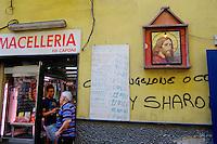 Italie, Campanie, Naples, centre historique Patrimoine Mondial de l'UNESCO, quartier populaire de Spaccanapoli, boucherie // Italy, campania, Naples, historical centre, Spaccanapoli area, butcher
