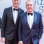 NLD/Amsterdam/20170924 - Première Was Getekend, Annie M.G. Schmidt, Martin Elferink en partner Andre van Duin