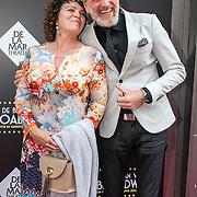 NLD/Amsterdam/20150604 - Premiere In de Ban van Broadway, Henriette Tol en partner Rob Snoek