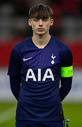 MUNICH, GERMANY - Wednesday, December 11, 2019: Tottenham Hotspur's captain Jamie Bowden lines-up before the final UEFA Youth League Group B match between FC Bayern München and Tottenham Hotspur at the FC Bayern Campus. (Pic by David Rawcliffe/Propaganda)