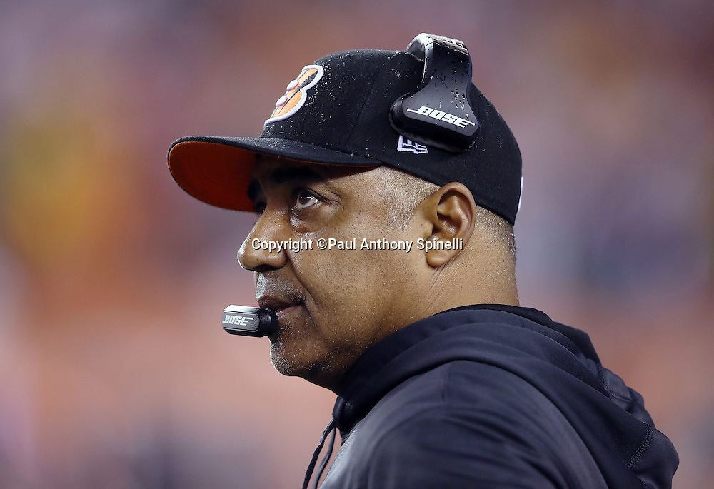 Cincinnati Bengals head coach Marvin Lewis looks on from the sideline during the NFL AFC Wild Card playoff football game against the Pittsburgh Steelers on Saturday, Jan. 9, 2016 in Cincinnati. The Steelers won the game 18-16. (©Paul Anthony Spinelli)