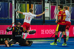 England's Barry Middleton celebrates scoring England's second goal. England v Spain - Unibet EuroHockey Championships, Lee Valley Hockey & Tennis Centre, London, UK on 25 August 2015. Photo: Simon Parker