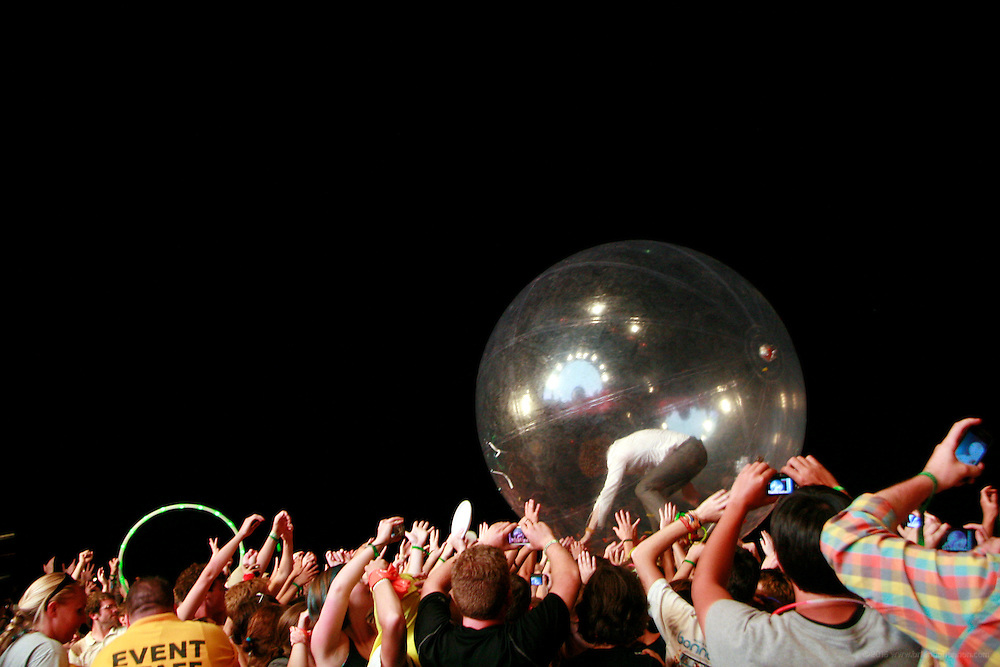 Sunday, 7/11/10 10:58:26 PM -- FLAMING LIPS_136 -- Louisville, KY, U.S.A.Forecastle Fest, the largest gathering of musicians, artists and activists in the American midwest, held July 9 through July 11, 2010 at Waterfront Park in Louisville, Ky. Photo by Kate Eldridge., Freelance