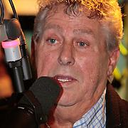 NLD/Hilversum/20110126 - Interview 3 J's tijdens Tros Gouden Uren, Jaap Buys in de studio bij Daniel Dekker