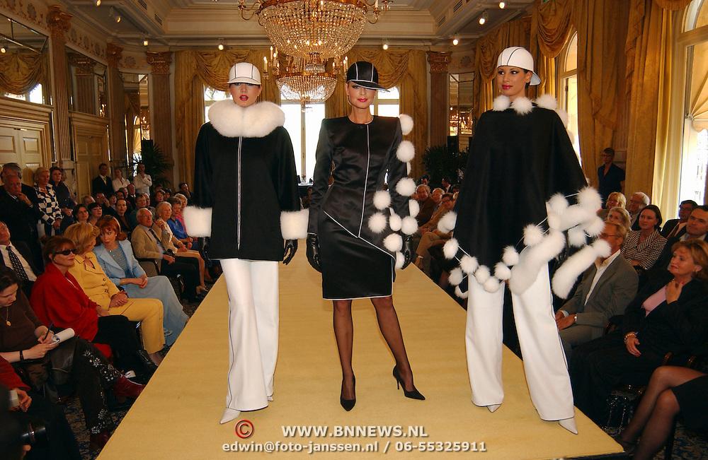 Uitreiking Max Heijmansprijs, modellen, catwalk, kroonluchters, Amstel hotel
