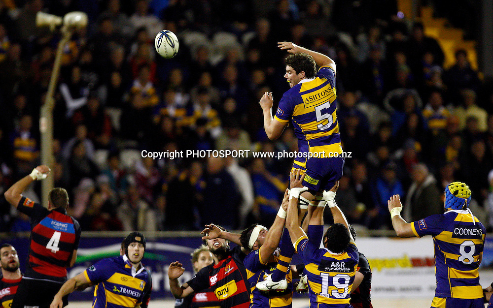 Bay lock Culum Retallick takes lineout ball, Air NZ Cup, NPC rugby union. Bay of Plenty v Canterbury. Bay Park Stadium, Mt Maunganui. 5 September 2009. Photo: William Booth/PHOTOSPORT