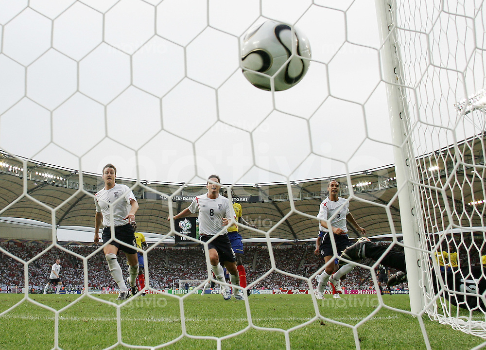 Fussball WM 2006   Achtelfinale   England - Ecuador David BECKHAM (nicht im Bild) erzielt per Freistoss das Tor zum 1:0.