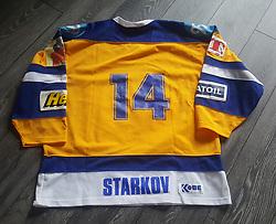 #14 Kirill Starkov. Esbjerg Pirates. Originale kamptrøje med autograf.