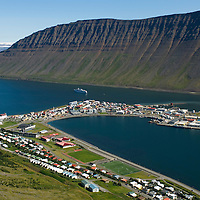 Ísafjörður til austurs / Isafjordur viewing east.