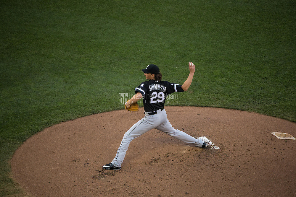 MINNEAPOLIS, MN- JUNE 23: Jeff Samardzija #29 of the Chicago White Sox pitches against the Minnesota Twins on June 23, 2015 at Target Field in Minneapolis, Minnesota. The White Sox defeated the Twins 6-2. (Photo by Brace Hemmelgarn) *** Local Caption *** Jeff Samardzija