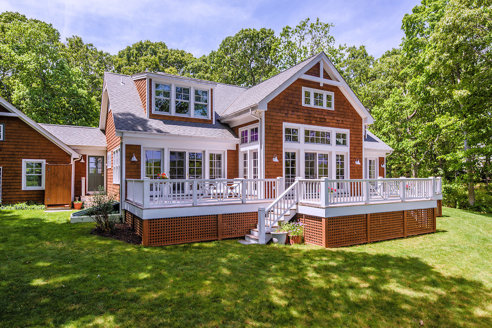 425 Meadow Beach Ln, Mattituck, NY